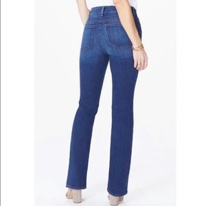 NWT NYDJ mini boot jeans